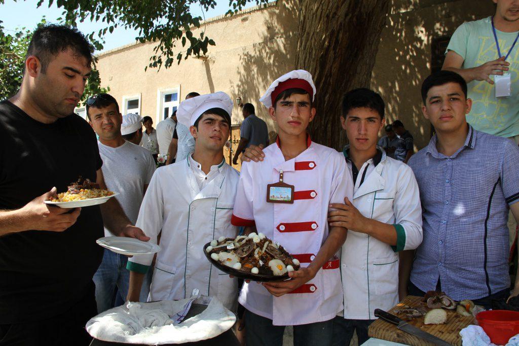 Таджики в Узбекистане