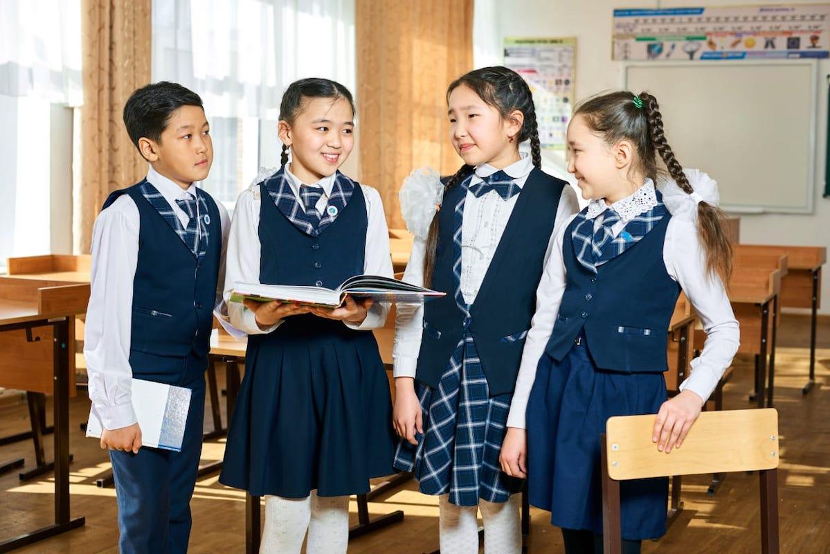 Школьницы, школьная форма,школа