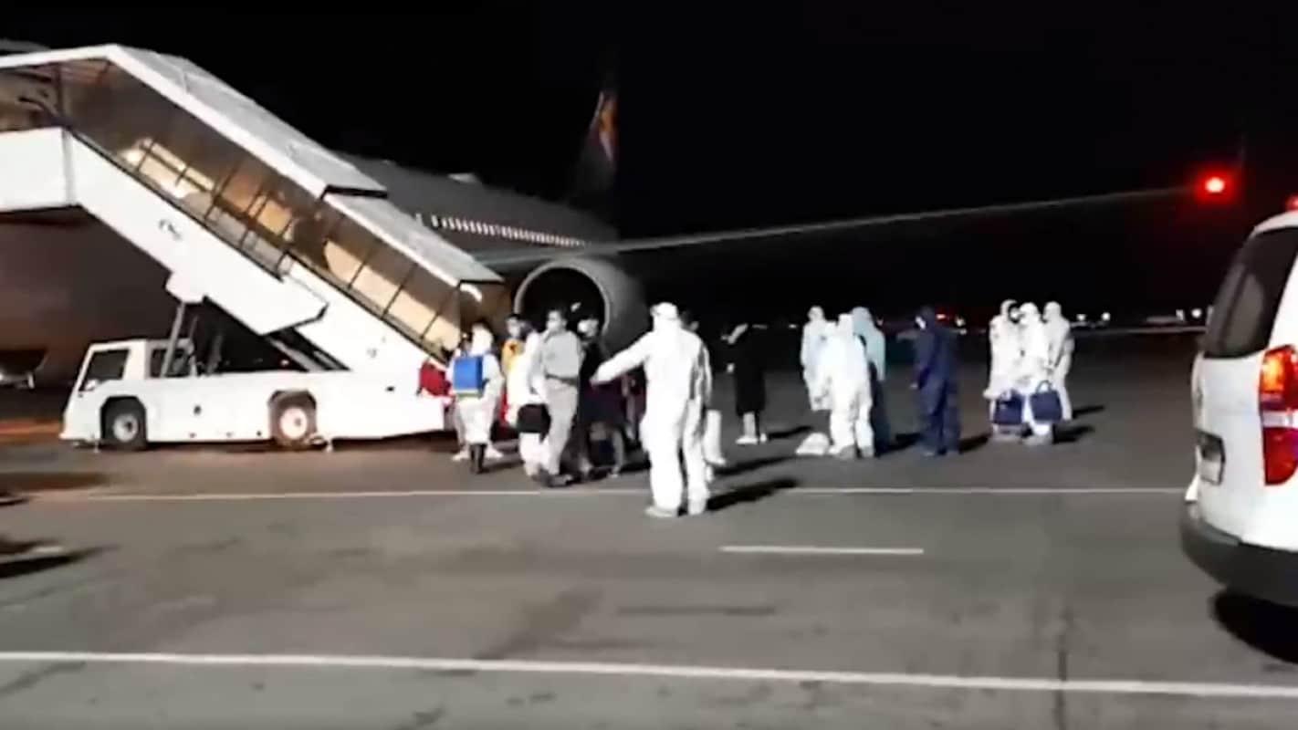 Казахстан эвакуировал еще 211 человек из Китая