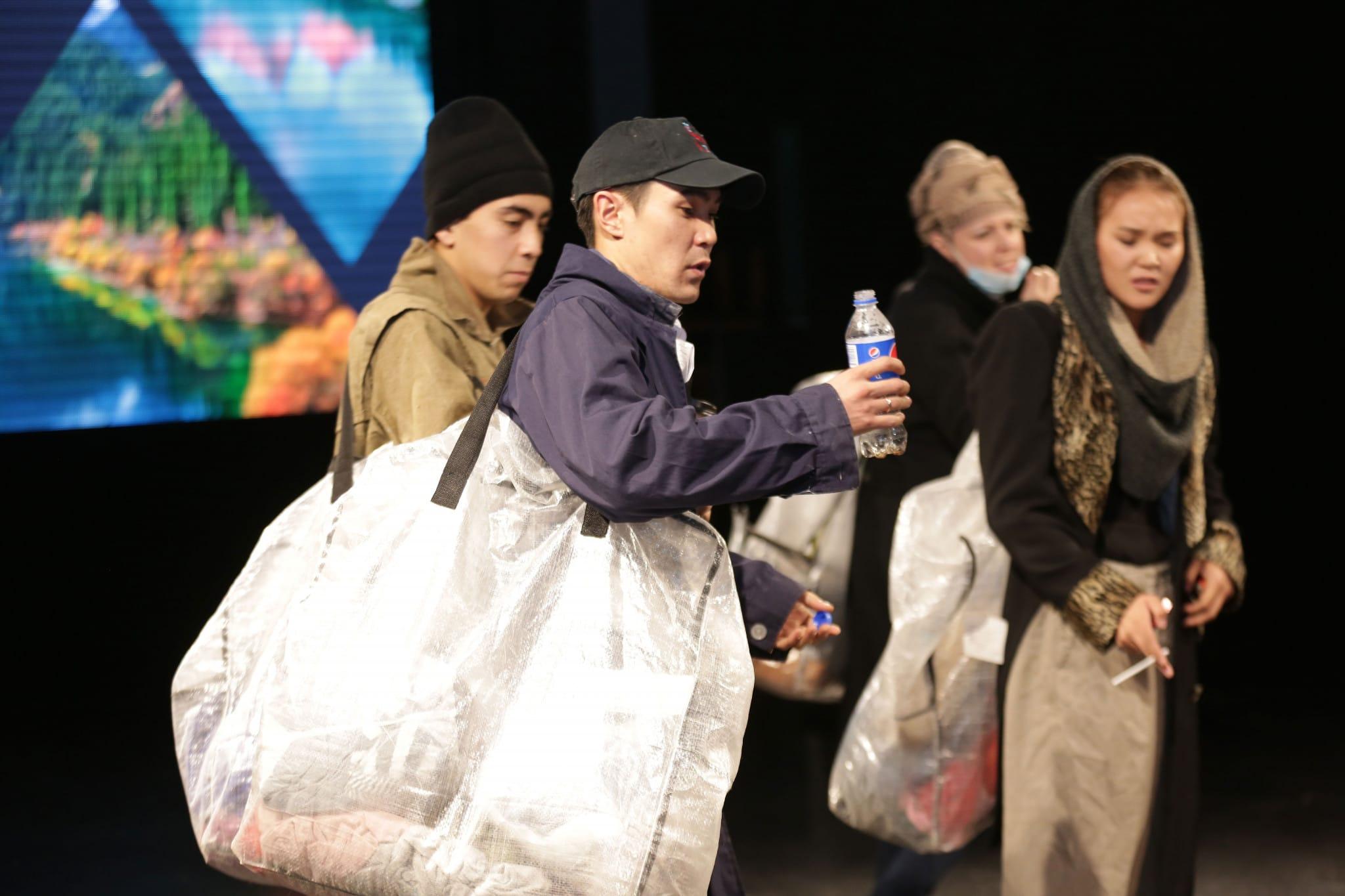 Спектакль про отходы